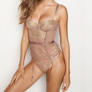 Victoria's Secret Very Sexy Shine Lace Corset.